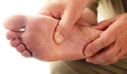 ball of foot pain treatment in Cardiff - reflexology and sports massage for metatarsal foot pain in Cardiff